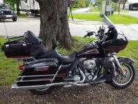 2011 Harley Davidson Road Glide Ultra with 18,000