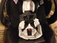 Evenflo Snugli baby car seat. Great condition. Comes