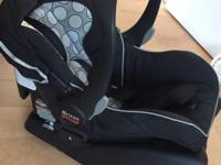 Britax B-Safe infant car seat. Excellent condition.