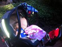 Kolcraft Snap and go car seat carrier - so easy!