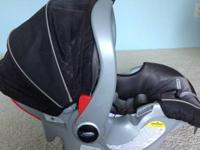 Graco snugride 35 infant carrier/car seat and base with