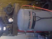 Air compressor 3 phase excellent condition hoses and