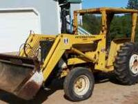 2400 International 46hp Diesel 2050 Loader Strong