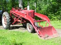 International Farmall H, runs great looks great ,rubber