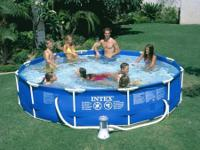 Make a splash all summer long with the Intex Metal