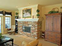 This inviting lower Harborview Ridge unit is timeless!