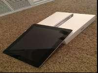 Ipad 2 32gb in excellent condition. Comes with Case and
