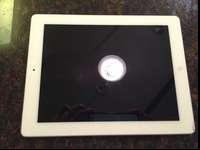 iPad 2 32GB Wi-fi WHITE includes blue case protective