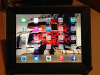 Black Apple IPad 3 in pristine condition, has been in