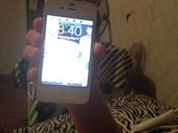 White iPhone 4S up for trade! I 'd like to trade for a