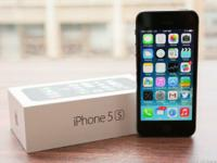 -Brand new iPhone 5s Unlocked (32 gb) in Space Gray has
