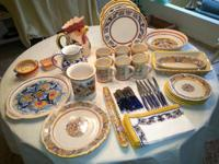 LOVELY DINNERWARE FROM ITALY, New, Service for 6-8 with