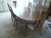 ELEGANT DINING ROOM SET FOR SALE: The set was bought in