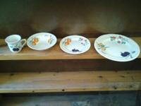 SET OF DISHES FOR 4 PEOPLE - 10.00. This set started