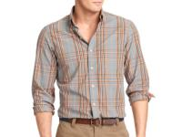 Spun from pure cotton, this long sleeve button-down