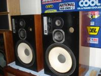 For sale a pair of classic jbl l100 century speakers