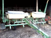 4 row 36 inch spacing , dry fertilizer , monitor ,