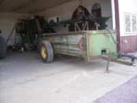 John deere 54 manure spreader, slop gate, works good.