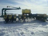 16x30 kinze bean meters, liqiud fertilizer, good unit