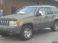 Jeep Grand Cherokee Larado 6 cylinder-fully