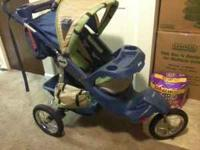 Nice stroller for sale has drink holders and lots of