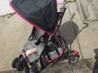 Jeep Wrangler Swivel-wheel All-Weather Stroller Gray