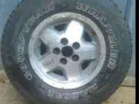 Goodyear wrangler 235/75 R15 like new tread at 10mm on