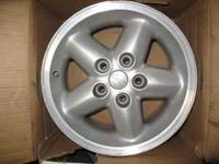 I have 5ea Aluminum Jeep wheels (15inx7in) that were