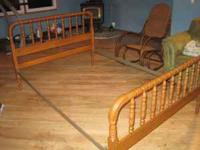 Beautiful Vintage Jenny Lind Spindle Bed With Rails And