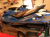 2 kawasaki 1500cc matching jet ski's on a double load