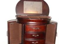 Beautiful Jewelry box. Great condition. Four drawers,