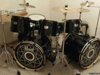 Very good condition. Near new drum heads.  Comes