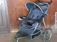 JOGGER/STROLLER - InStep Safari TT. Great shape. $90.