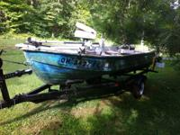 For sale is this aluminum watercraft with pedestal