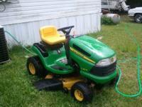 John Deer Lawn Tractor Model LA115 in excellent
