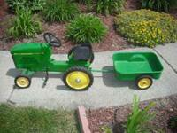 This John Deer (8400 series) kids pedal tractor with