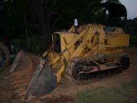 nice older model track loader, has rops, good under