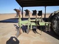 John Deere Plow (4600) On Land 4-18 inch Good Shape