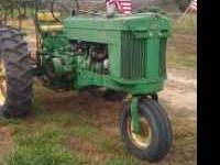 Good looking, good running tractor. Has working lights,