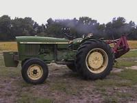JD 830 3cyl. 2WD engine about 40-45 HP, PTO 35 HP, runs