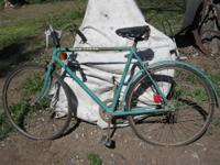 For sale is a John Deere men?s bicycle. These were