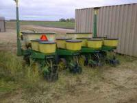 For sale: Very clean John Deere 7000 planter.  Perfect