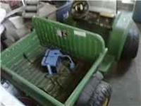 John Deere Gator for sale. Needs a new battery but