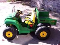 Ride on John Deere Gator- like new used very little
