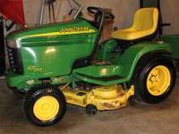 John Deere GT245 Garden Tractor 44 in Mulching Deck 20