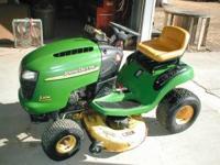 John Deere L108 Garden Tractor with Briggs & Straton