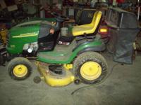"""John Deere L120 Lawn Tractor - 20 HP Briggs motor, 48"""""""