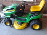 JOHN DEERE LA 110 RIDING LAWN MOWER & BAGGER $1150