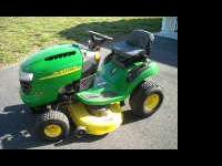 "2008 John deere D110 lawn tractor with 42"" cutting"