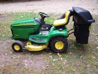 John Deere LX277 Lawn Tractor with only 211 hours. 42""